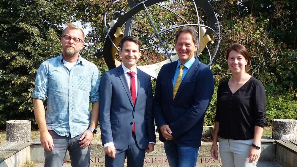 V. l. n. r.: Stefan Kirstätter (Abteilungsleiter), Thorsten Uhde (Schulleiter), Michael Beck (Stellvertretender Schulleiter), Alexandra Weithofer (Abteilungsleiterin).