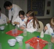 Schülerinnen berichten vom Lerngang ins Mitmachlabor der BASF