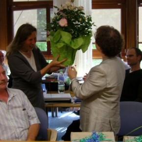 Frau Beust bekommt weitere Blumen