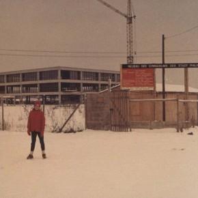 Noch zu wenige Schüler für eine Schneeballschlacht... Winter 1969