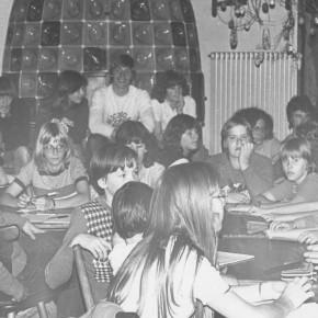 Auf dem zweiten SMV-Seminar im Jahr 1978 in Dilsberg ist auch Schulleiter Kurt Brandes anwesend. Im Hintergrund rechts der damals neue Verbindungslehrer Helmut Ehret.
