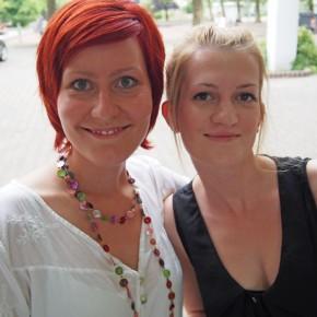 Jacqueline und Sabrina (Abitur 2010)