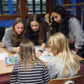 Schüler helfen Schülern