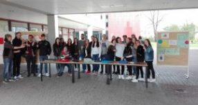 Sozialer Muffinverkauf am letzten Schultag