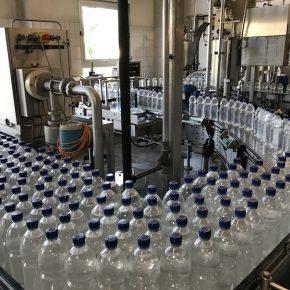 Nun volle Flaschen
