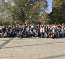 Über 107 Schülerinnen und Schüler besuchen den Landtag