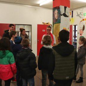 Frau Röhm und das Schülerprogramm der Gruppe Rot