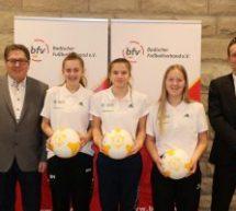 Maxima, Melina und Sarah: DFB-Junior-Coach!