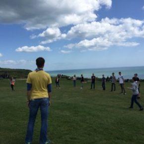 William the Conqueror plays frisbee