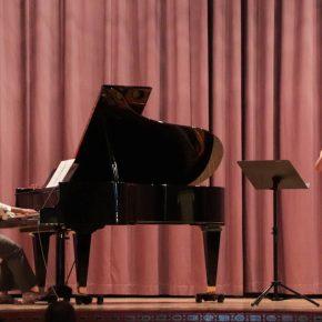 Frau Vogel und Frau Bruschke spielen auf