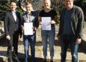 Die Umweltmentoren  erhalten ihre Zertifikate