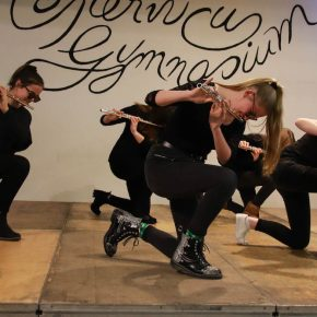 Dance with me: Lilian (Klasse 6), Jessica (Klasse 8), Ann-Cathrin (Klasse 8), Silja (Klasse 10), Maya (Klasse 10), Melanie (KS1)