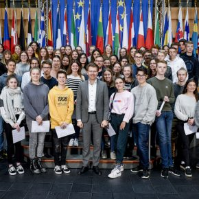 Die Gruppe mit dem Europaabgeordneten Daniel Caspary MdEP (CDU) im Europäischen Parlament in Straßburg (Copyright: Europäische Union 2019)