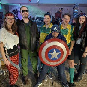 Avengers, Fußball und Piraten
