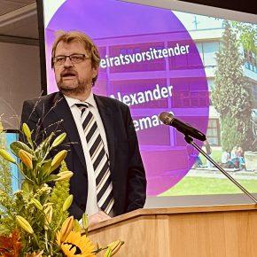 Elternbeiratsvorsitzender Herr Hannemann