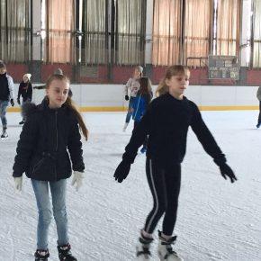 2018 03 Schlittschuhlaufen Klassen 6 5