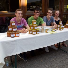 Die Bienen AG