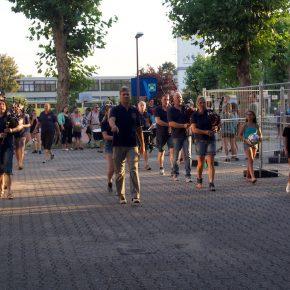 Die Strasser Garde marschiert ein