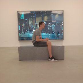 MUSEUM Nicos Bildmeditation vor Jeff Wall